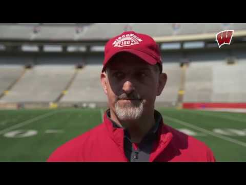 Wisconsin Sports - Football: Wisconsin offense still sorting out line, quarterback