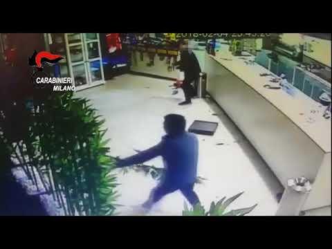 Rapina Segrate sparano al sushi bar ma i cuochi cinesi reagiscono.