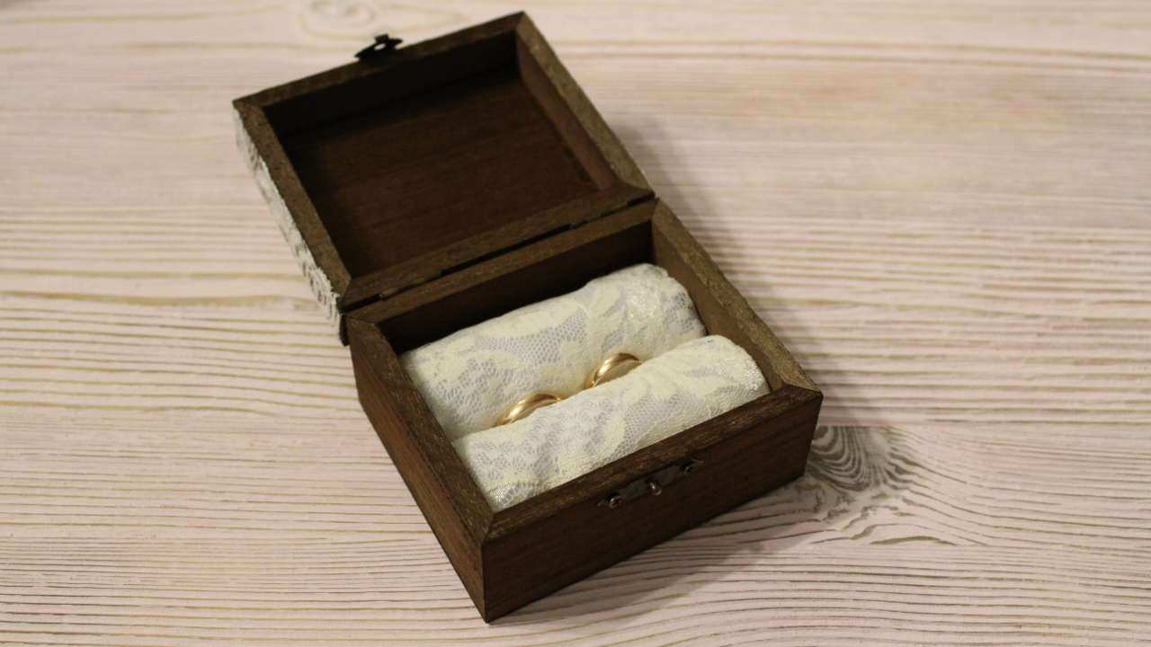 How To Make A Box For Wedding Rings   DIY Crafts Tutorial   Guidecentral    YouTube