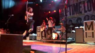 All Time Low - Weightless (On The Road Version) (Official Music Video)