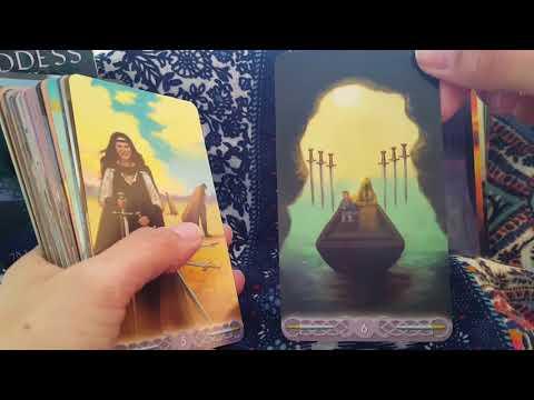 Triple Goddess tarot Deck rewiew