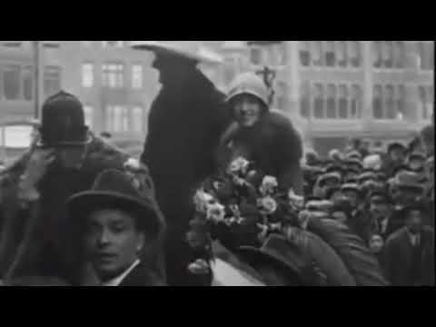 1925: Filmster Tom Mix maakt een rondrit door Amsterdam - oude filmbeelden