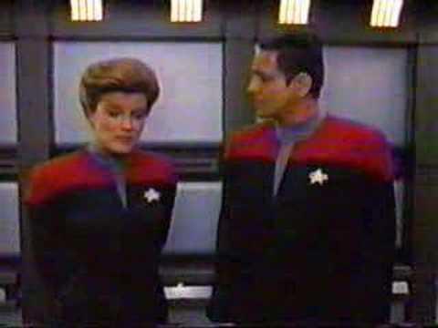 Voyager star trek earth