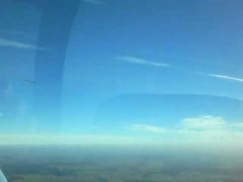Alleinflug in Grumman American AA-5 2