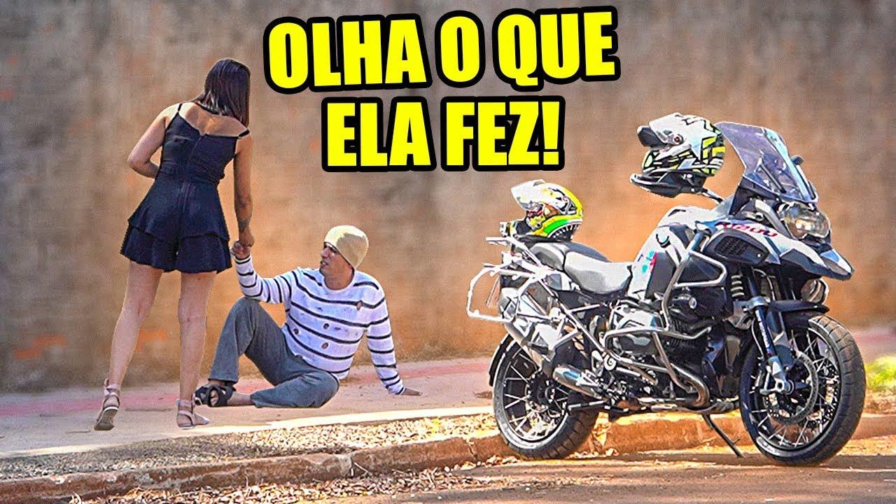 Download REAÇÃO DELA AO PEDIR ESMOLA VESTIDO DE MENDIGO