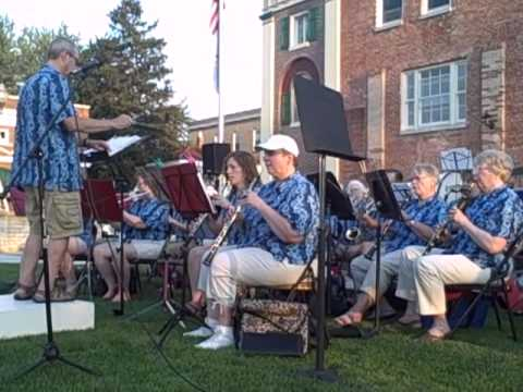 Dual County Community Band Lyn Jerde, Daily Register 8-2-2012