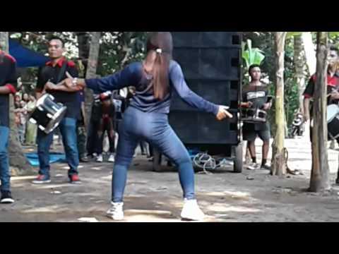 Om nirwana Lilir Dangdut jamaica brsma Dancer Hot Geboy
