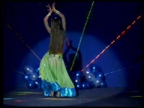 Aaja Nachle  Indian Dance
