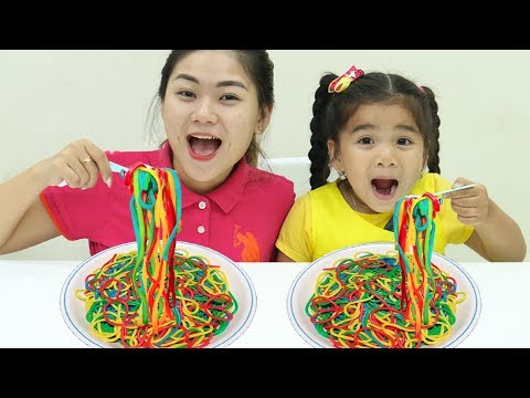 Suri Johny Johny Yes Papa Playing with Colorful Play Doh Noodles!