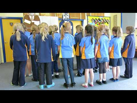 Girl Guides sing the Promise and Law