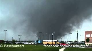 Oklahoma tornado as seen by storm chasers