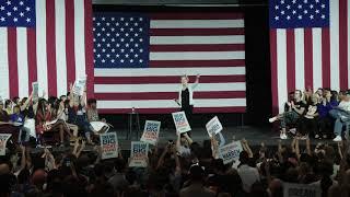Elizabeth Warren fires up crowd at Los Angeles town hall