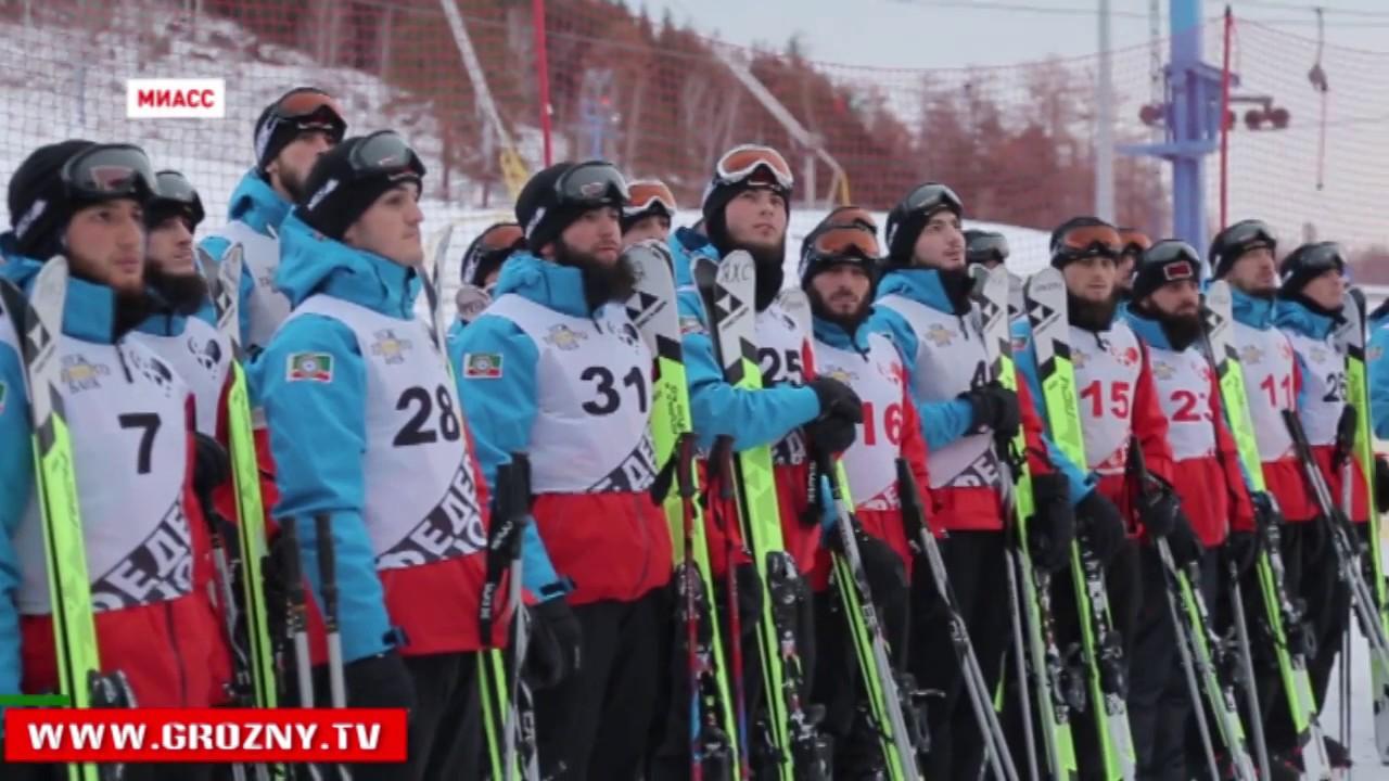 Горные лыжи Солнечная долина г.Миасс - YouTube