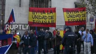 Spain: Falangists heckle convicted Catalan president Artur Mas ahead of debate in Madrid