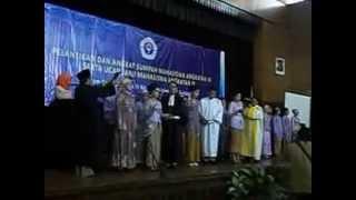 sumpah profesi bidan UNIVERSITAS GUNADARMA 2013 (bd. Titis Lakuna Am.Keb)