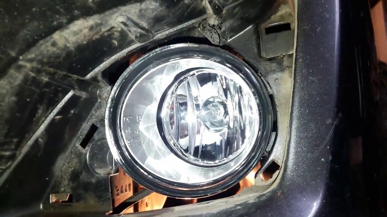 Toyota Corolla.  Установка и подключение ПТФ.