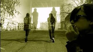 Смотреть клип песни: Мумий Тролль - Эхом гонга