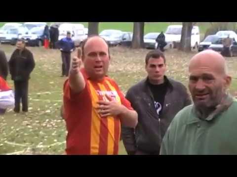 Съдия на селски мач прекратява срещата и футболистите му търсят сметка