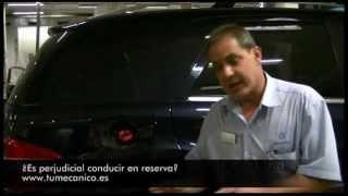 ¿Es perjudicial conducir en reserva?