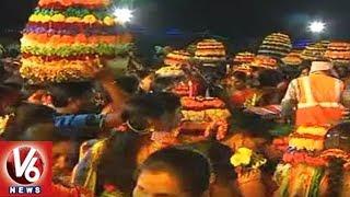 Vemulawada Saddula Bathukamma Festival Celebrations | Rajanna Sirci...
