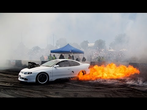 Hq Car Wallpapers Fear Fires Up At Summernats 27 Youtube