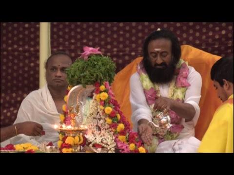 Glimpse of Navratri Celebrations (Day 4) with Gurudev Sri Sri Ravi Shankar