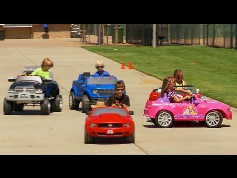power-wheels-bumper-cars-race-2---battery-car-race!