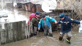 Паводки в Казахстане смывают дома, топят села. Есть погибшие