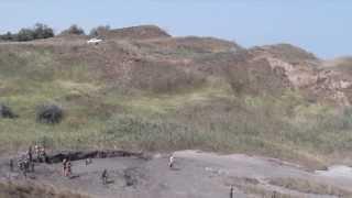 Грязевой вулкан в Кучугурах.(Краснодарский край,Кучугуры.грязевой вулкан,Азовское море., 2013-11-01T09:19:09.000Z)