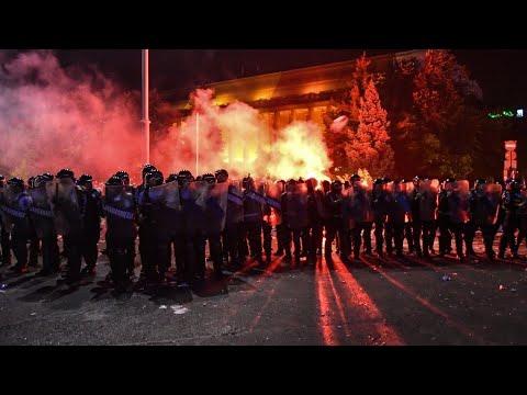رومانيا: أكثر من 450 جريحا في تظاهرة احتجاجا على -فساد الحكومة- بالعاصمة بوخارست  - 12:23-2018 / 8 / 13