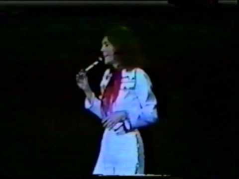 Full concert of the Carpenters Live at the Festival Hall, Osaka 1976.
