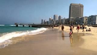видео Бат ям Израиль зимой. Набережная бат яма. Средиземное море. Детская площадка