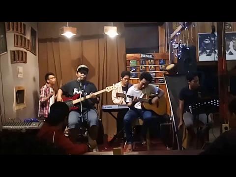 D - Masiv Luka ku (Cver By Joe Tronyol Akeda) Jamming at Cofecino Cafe Pontianak