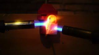 EXPERIMENT - 2 GAS TORCH VS PADLOCK / Asma Kilidi Yakarsak Ne Olur ? ( 1000 Derece Pürmüz Deneyi)