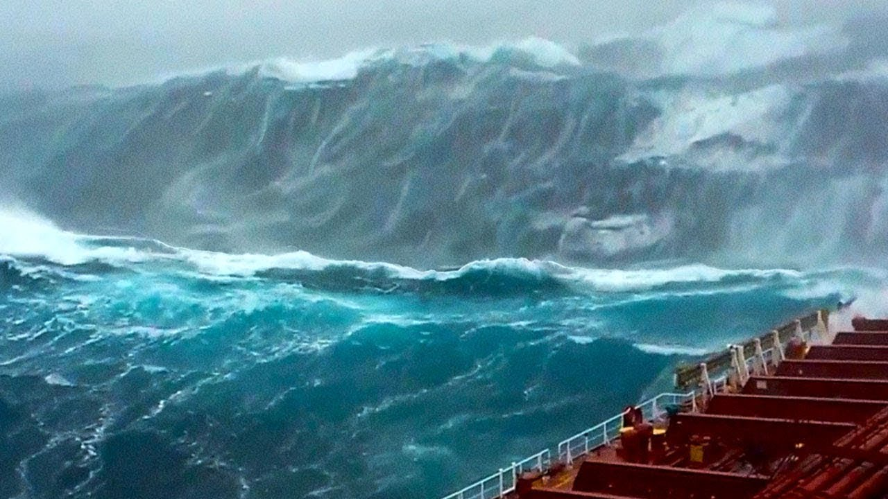 Download Man Films His Last Seconds On Ship Before The WAVE Hits!