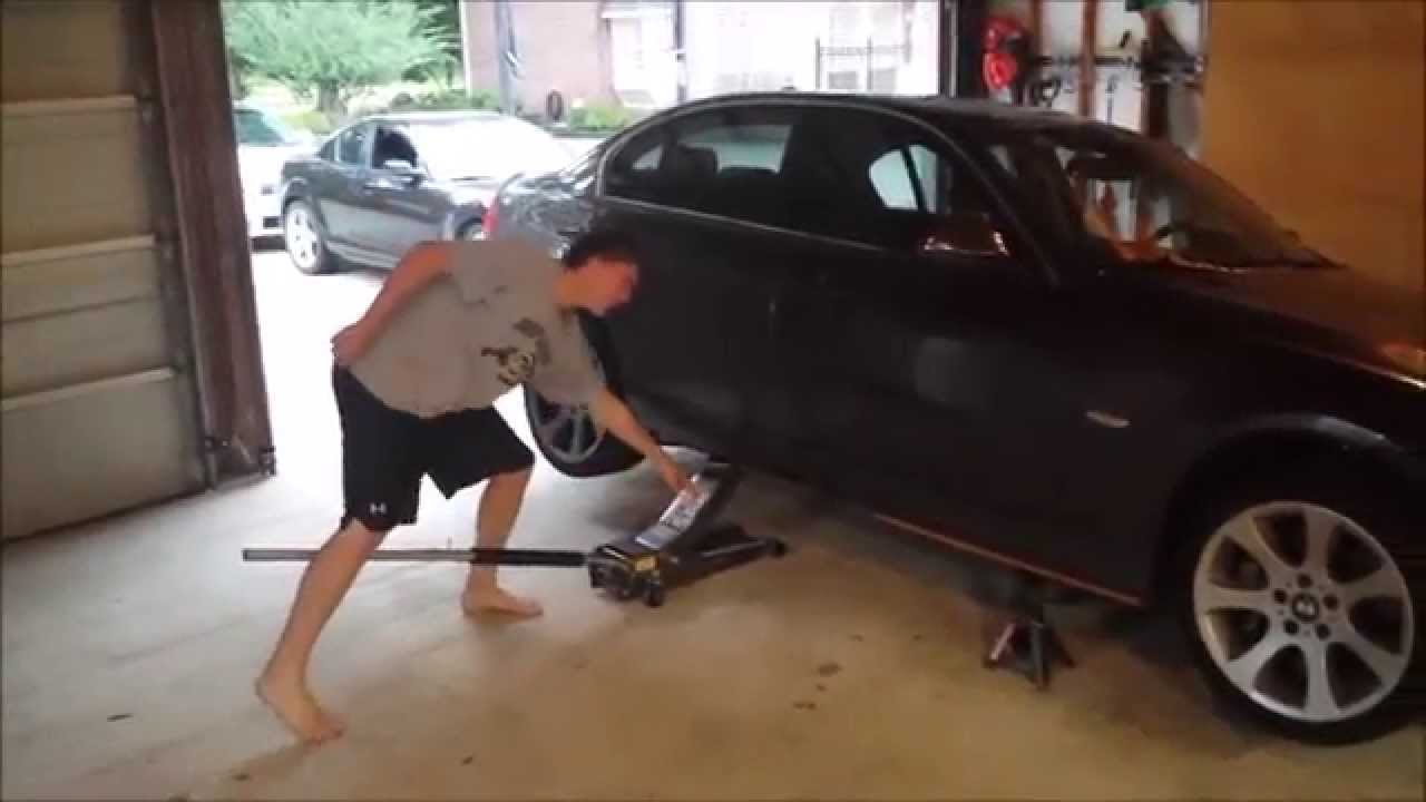How To Properly Jack Up A Bmw Youtube