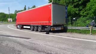 Český kamion na místě vzdáleném 50 km od Bruselu směrem na Calais