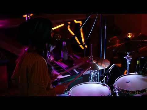 """Elise Trouw """"Burn"""" Live at Firepit Sessions 12/9/17"""