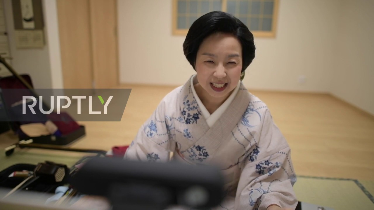 Geishas take drinking parties online amid COVID-19 pandemic