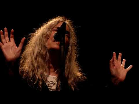 Patti Smith -- BOOTS OF SPANISH LEATHER (Bob Dylan) - church De Duif - Amsterdam - 29 may 2018