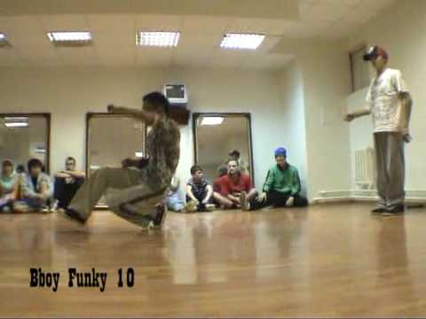 031 bboy Eroll D (Street Unit crew) vs bboy Funky 10 (Post Scriptum crew) at Sakhalin ABC 2009