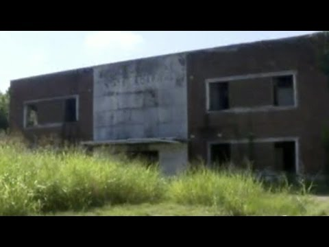 Download Ghost hunters find body at abandoned hospital