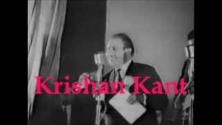 Rafi Sahab Performing - LIVE - Mujhe Duniyawalo Sharabi Na Samjho