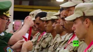 منح فريق الجيش المصري جوائز تكريما لأداءه الرائع في