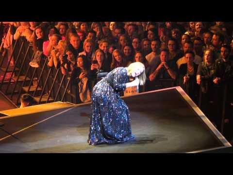 Adele in Dublin 4-3-2016- Sweetest Devotion, Chasing Pavements