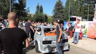 ВАЗ 2108 выдавило давлением стекло. Фестиваль Автозвука и тюнинга в Краснозаводске.