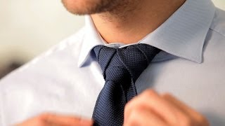 Repeat youtube video How to Tie a Merovingian Knot | Men's Fashion