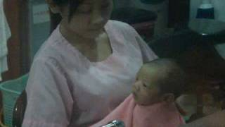 Repeat youtube video MAME出生醫院護士餵奶 (豐)