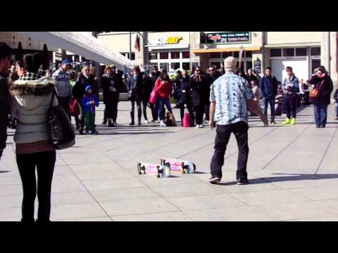 Amazing senior skateboarding in Berlin!