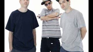 Watch Beastie Boys Now Get Busy video